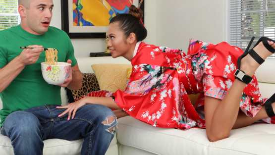 [Family XXX] Vina Sky: Asian Stepsister Knows Exactly What He Needs