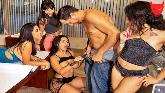 [Fuck Team Five] Rose Monroe, Holly Hendrix, Mia Martinez, Kitty Carrera: Huge Office Orgy