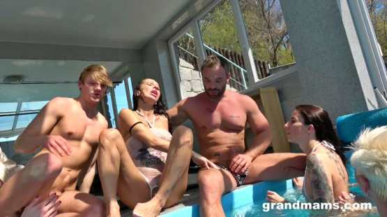 [Grand Mams] Granny Pool Orgy