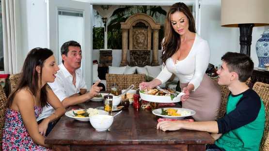 [MILFs Like It Big] Kendra Lust: Kendra's Thanksgiving Stuffing