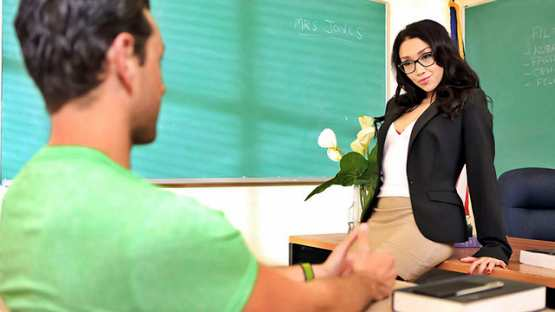 [TeamSkeet X Fucking Awesome] Vicki Chase: Extra Homework