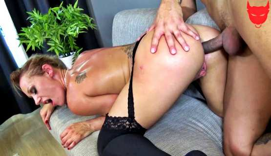 [Jacquie Et Michel TV] Célia, the perversions of a 38-year-old milf
