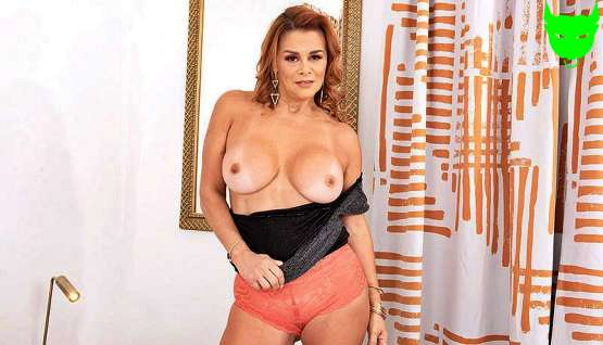 [50 Plus MILFs] Juliett Russo: Latina MILF's tits, ass and pussy show – Porn Mega Load
