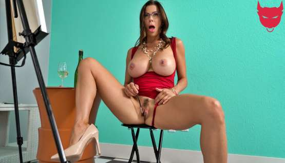 [Milfs Like It Big] Alexis Fawx: One Final Stroke